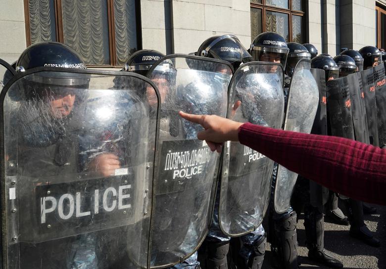 تظاهرات علیه صلح قره باغ در ایروان