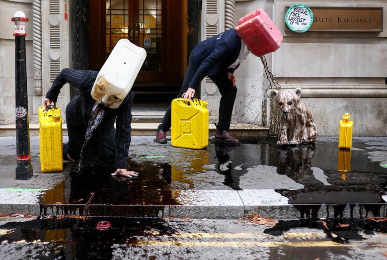 اعتراض فعالان محیط زیست بریتانیا