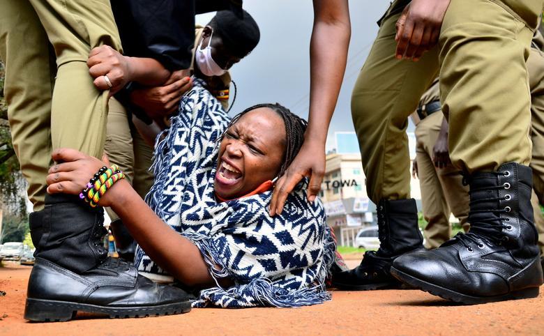 تظاهرات علیه نحوه توزیع غذا در اوگاندا کرونا