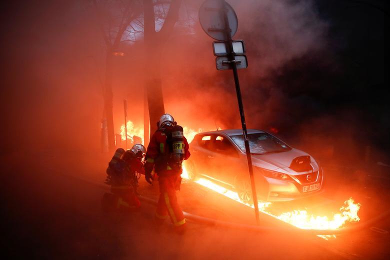 تظاهرات علیه قانون جدید امنیت پلیس در فرانسه