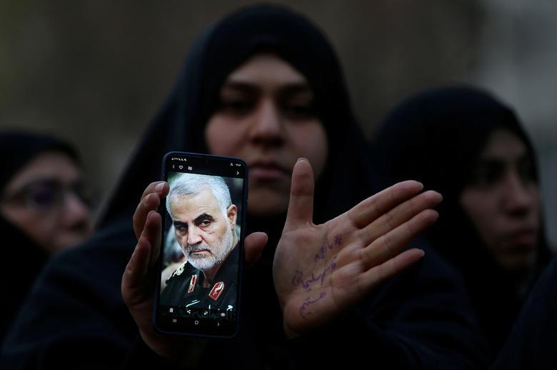 اعتراض به قتل قاسم سلیمانی ایران