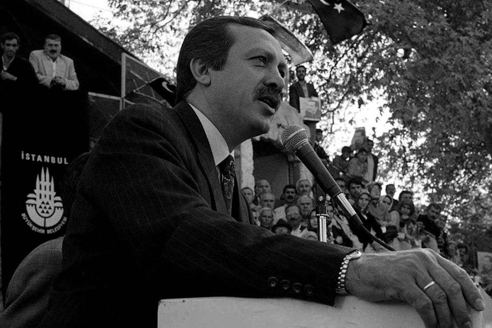 شعرخوانیهای پردردسر اردوغان: شعری که اردوغان را به زندان فرستاد