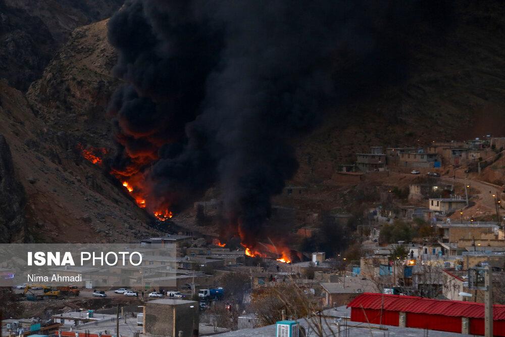 چهارمحال و بختیاری/ آتش سوزی در خط لوله انتقال نفت و هشدار به مردم (+عکس)