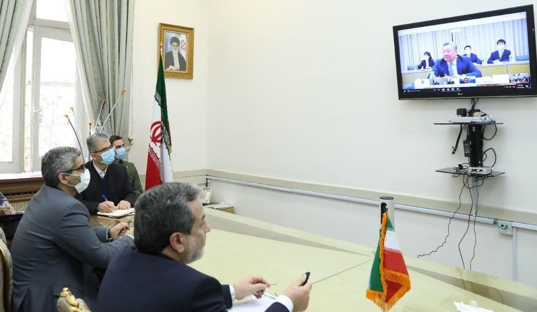 عراقچی: ایران نمیتواند تمام هزینههای اجرای برجام را متقبل شود