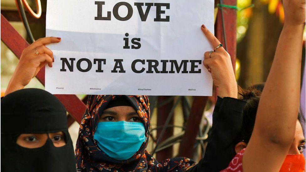 سقط جنین یک زن هندو  در بازداشت پلیس هند/ دلیل: مبارزه با جهاد عشق