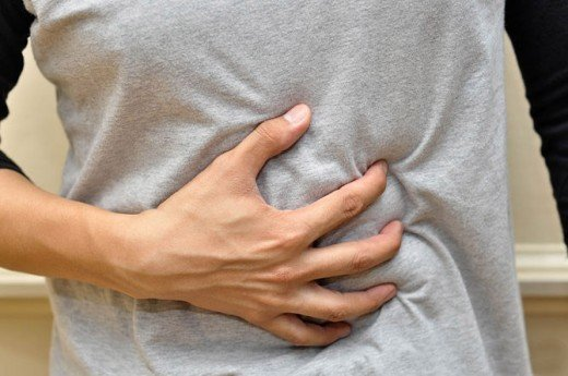 بیاشتهایی و نفخ شکم از علائم شایع کروناست/ معجزه «سیاهدانه و عسل»