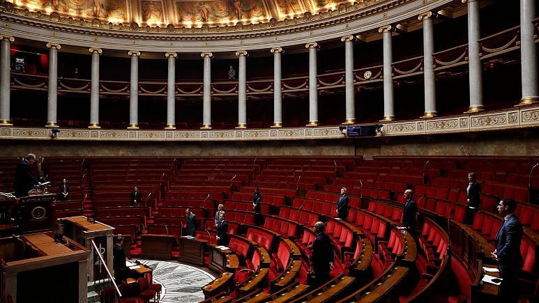 مجلس فرانسه قانون منع تبعیض زبانی را تصویب کرد