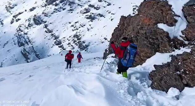 آذربایجانغربی/ کوهنوردان مفقود شده در ارتفاعات بلقیس نجات یافتند