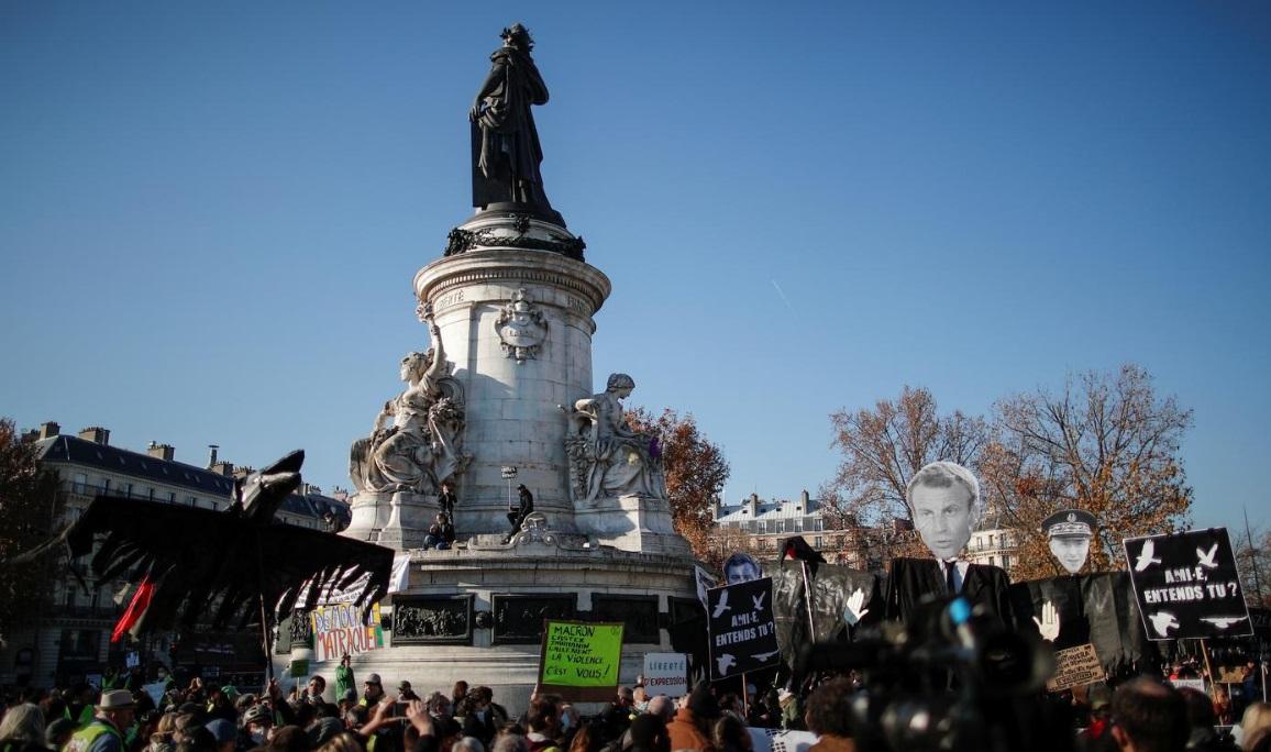 تظاهرات علیه خشونت پلیس فرانسه/ شلیک گاز اشکآور، درگیری فیزیکی و بازداشت معترضان