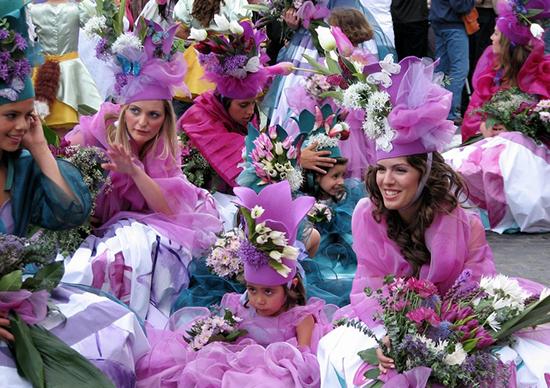 زیباترین جشنهای بهاره در جهان (+عکس)
