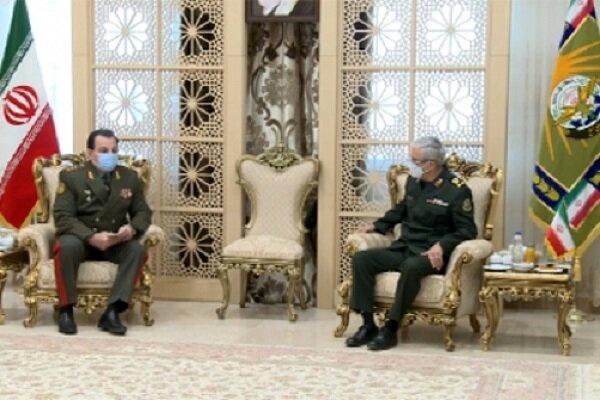 دیدار وزیردفاع تاجیکستان با سرلشکر باقری