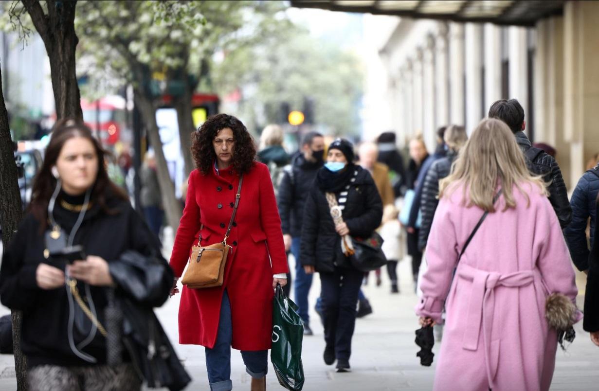بازگشایی فروشگاه ها در انگلیس پس از سه ماه تعطیلی