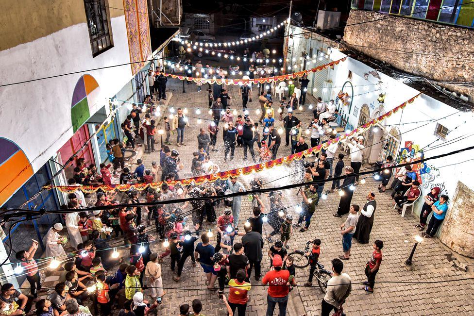 جشن شروع رمضان در موصل عراق