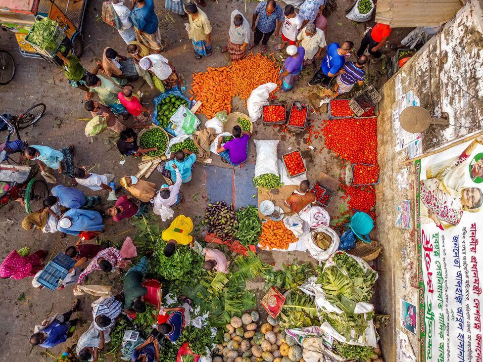 خرید مردم برای ماه رمضان در بنگلادش