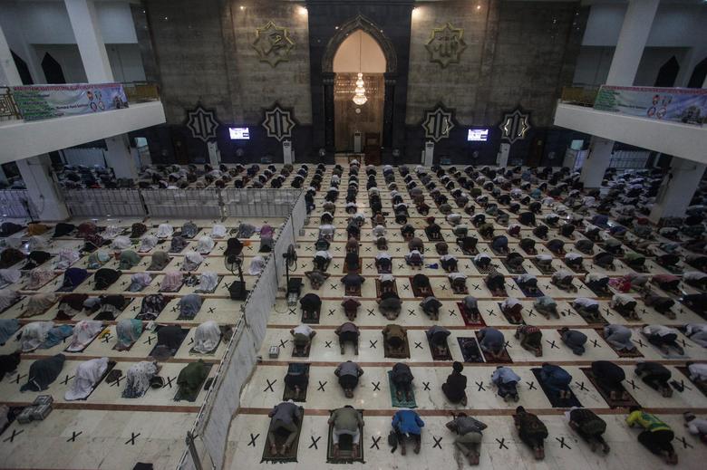 عبادت در استانه رمضان در اندونزی