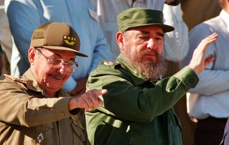 فیدل و رائول کاسترو