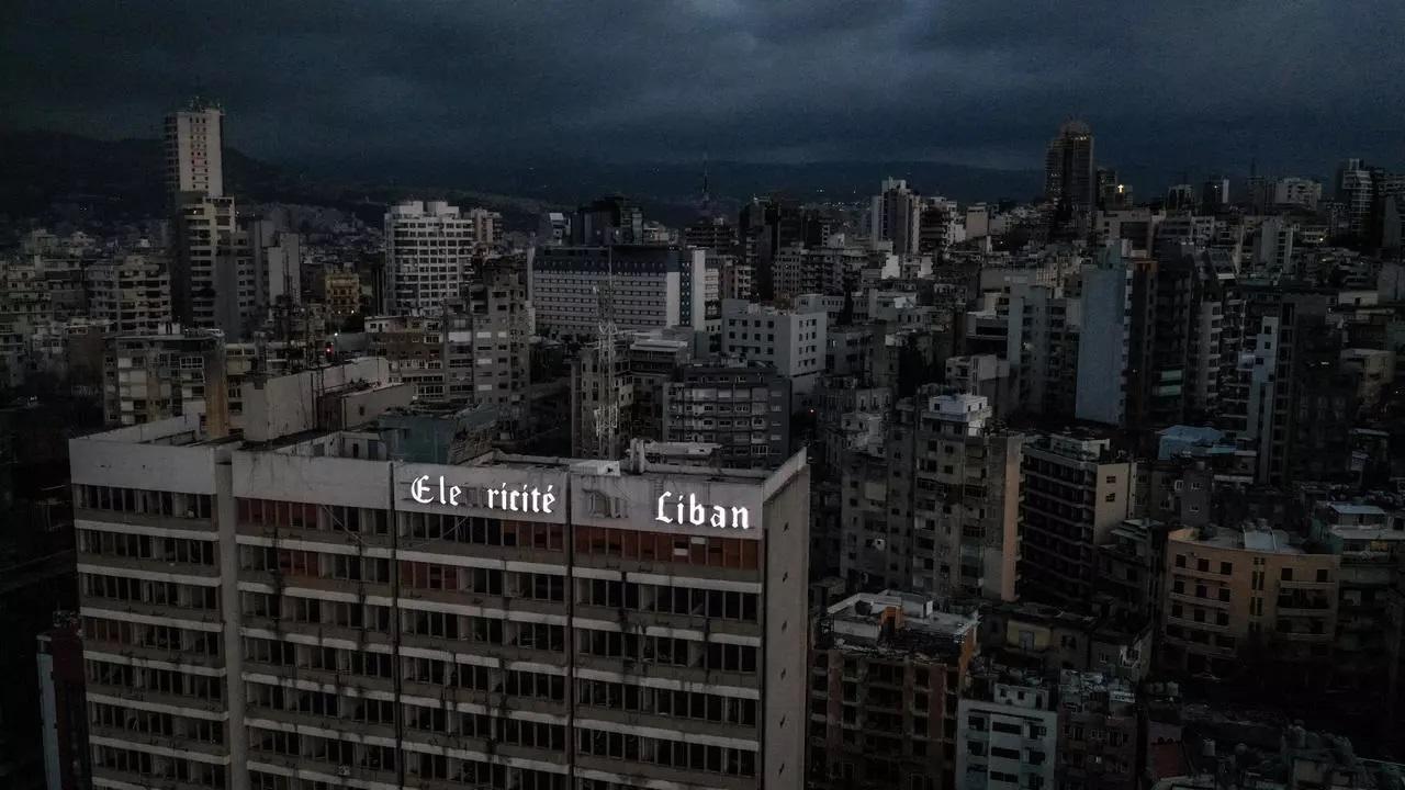 نمایی از شهر بی برق بیروت