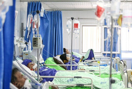 شیوه جدید پذیرش بیماران در مراکز درمانی/ ظرفیت تختهای کرونایی تکمیل