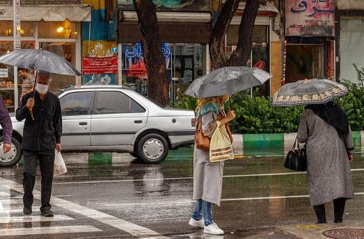 تهران بارانی می شود