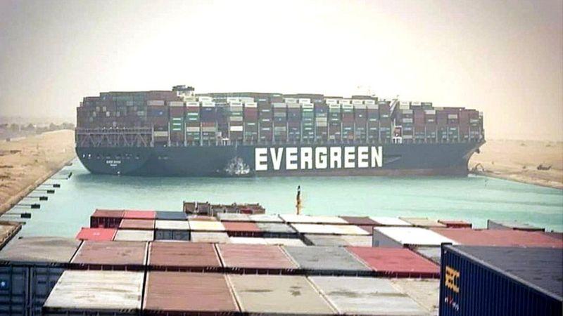 بسته شدن کانال سوئز: عذرخواهی مالک ژاپنی کشتی / حل مشکل، چند هفته طول می کشد/ 150 کشتی منتظرند