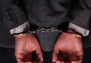 کلاهبرداری از مردم با تاسیس دفتر حقوقی و داوری