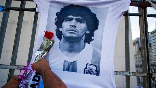 گزارش کارشناسان پزشکی از مرگ مارادونا: او را به حال خود رها کرده بودند