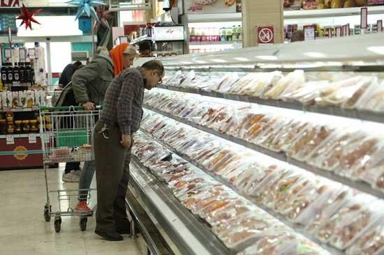 فروش مرغ تکه ای در مغازه ها/ مصوباتی که رعایت نمیشود