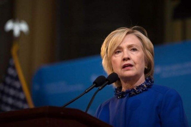 هشدار کلینتون: خروج کامل آمریکا از افغانستان عواقب جدی دارد/ احتمال سقوط دولت افغانستان