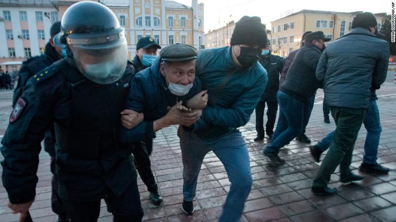 بازداشت تظاهر کنندگان در روسیه