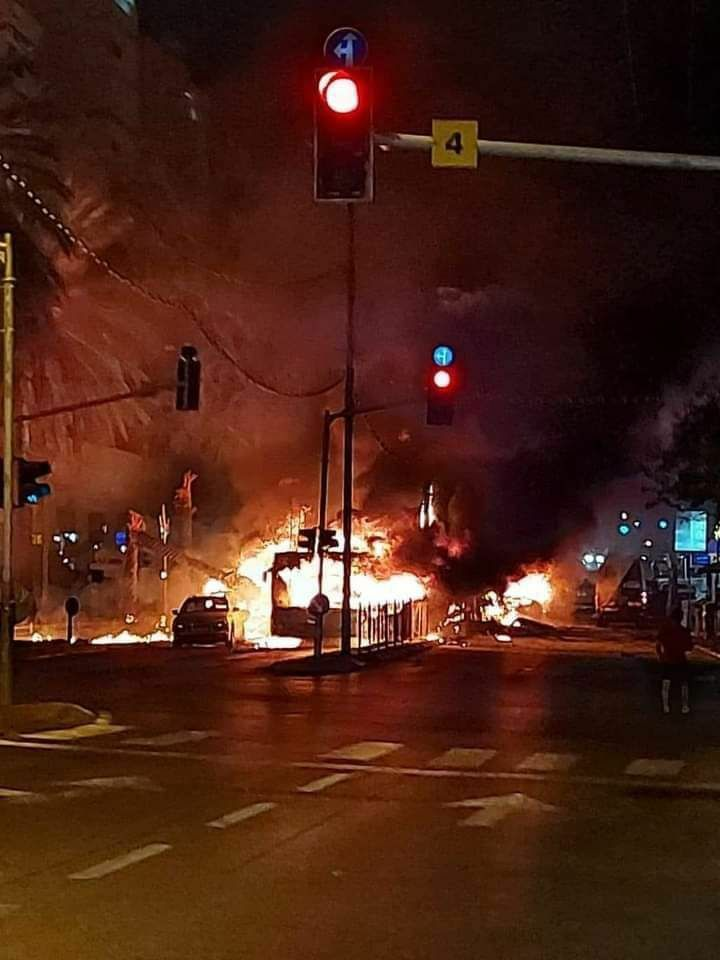 اصابت موشک به هولون و ریش لتزیون در تل آویو (+ فیلم و عکس)