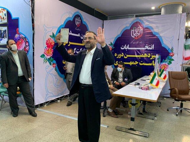 محمد عباسی وارد ستاد انتخابات کشور شد