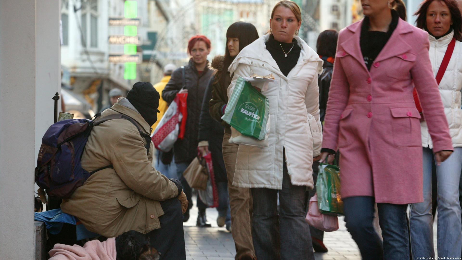 آلمان/ میانگین دستمزد خالص: ۱۱۷۶ یورو در ماه/ ثروتمند: دریافت بیش از ۳۹۰۰ یورو در ماه
