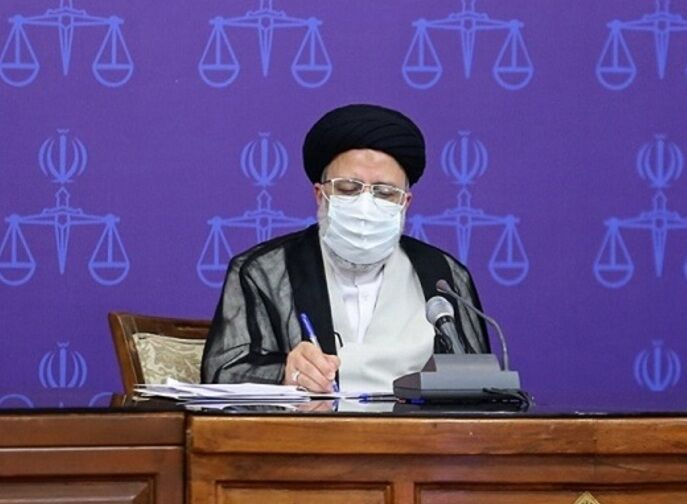 رییسی: مستقل وارد صحنه انتخابات ۱۴۰۰ میشوم