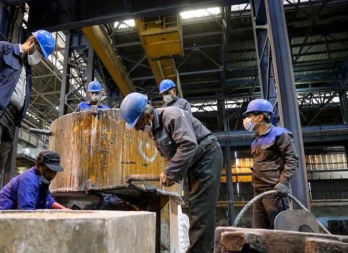 وزارت تعاون: حق مسکن ۴۵۰ هزار تومانی کارگران از فروردینماه پرداخت میشود