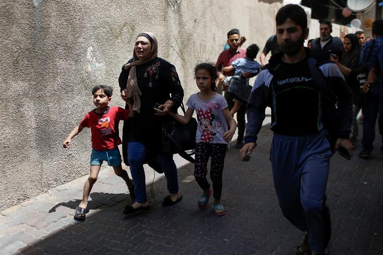 فرار مردم غزه ز منطقه جنگ زده