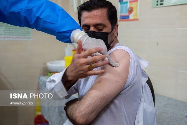 اگر علائم سرماخوردگی دارید، فعلا واکسن نزنید