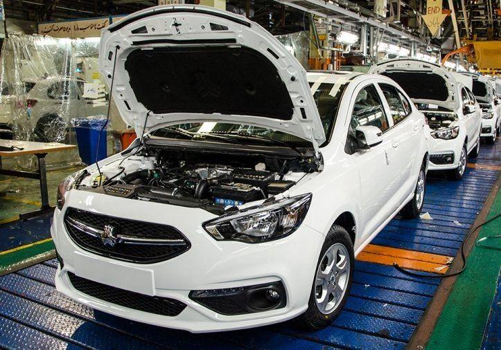 مدیر عامل سایپا :شاهین اتوماتیک نیمه دوم امسال به بازار می آید/ برنامه ریزی برای تولید ۲۰ هزار خودروی آریا در سال