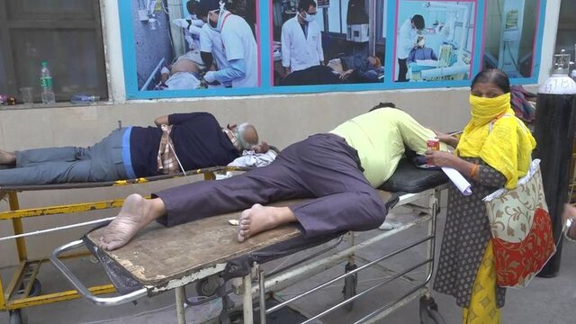نظام سلامت هند در حال فروپاشی/ ۳۴۶۷۸۶ مبتلا و ۲۶۲۴ فوتی جدید کرونا در عرض ۲۴ ساعت