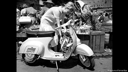 75 سالگی رمانتیکترین موتورسیکلت (+عکس)