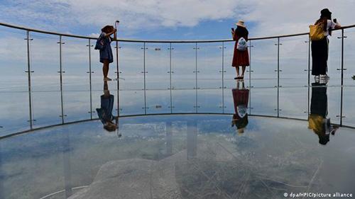 زیباترین پلهای معلق شیشهای (+عکس)