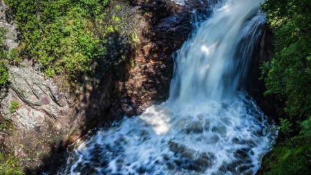 آبشاری که غیب میشود (+عکس)