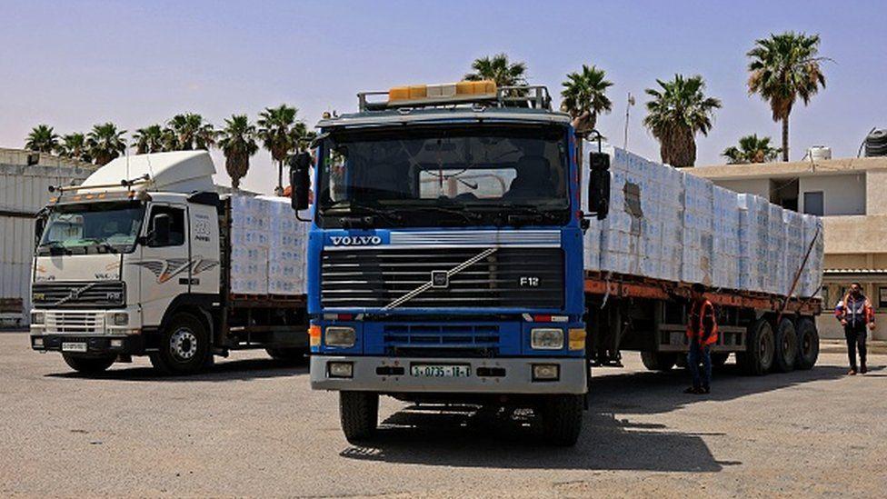 کامیون حامل کمک بشر دوستانه به سمت غزه