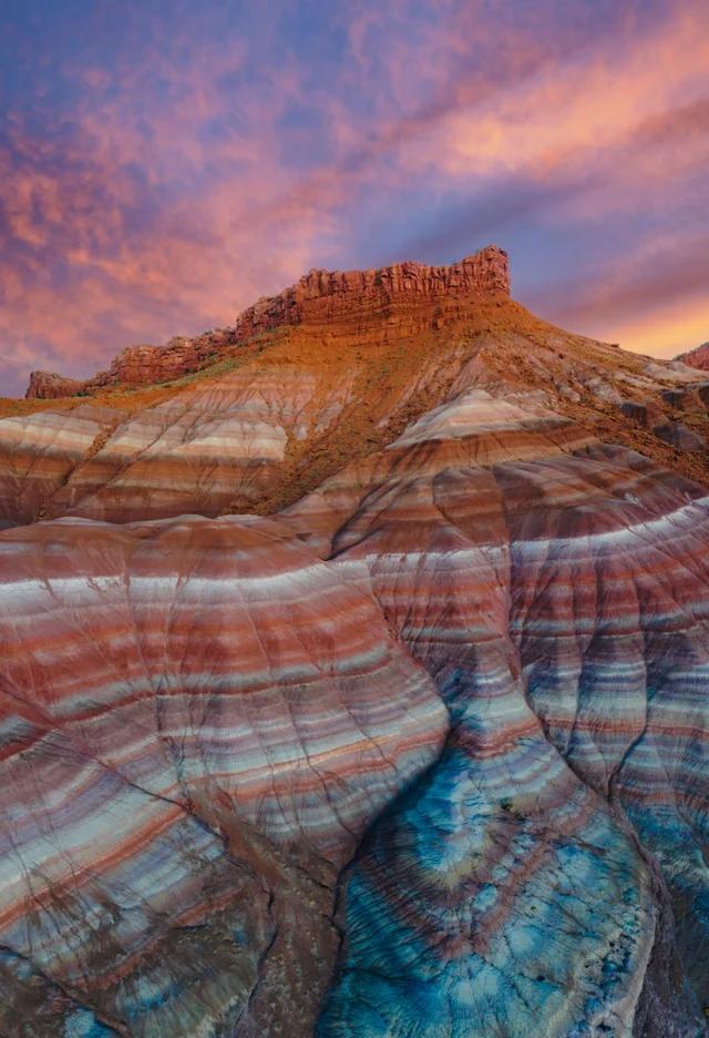 کوه های رنگین کمانی در یوتا(عکس)