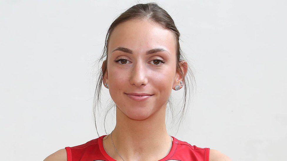 بازیکن والیبال صربستان چشم هایش را کشید و محروم شد/