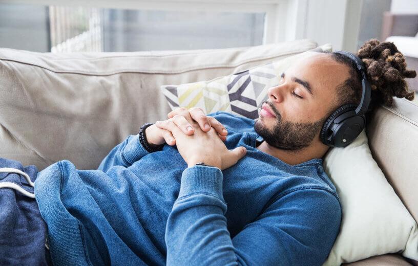 قبل از خواب موسیقی گوش ندهید