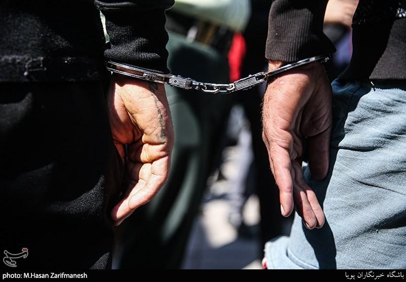 انهدام باند ۳ نفره کلاهبرداران واتس آپی/ متهمان از درون زندان تماس میگرفتند