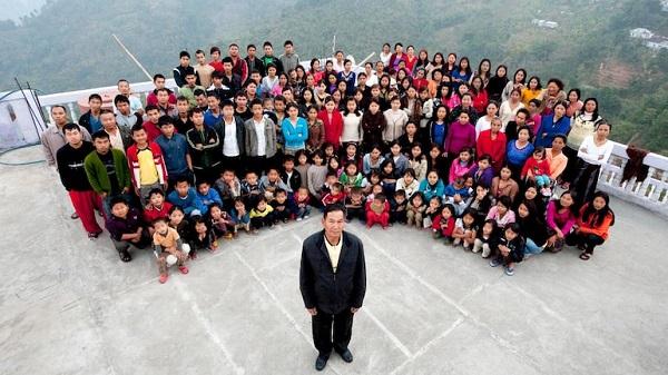 پدرِ پرجمعیتترین خانواده دنیا درگذشت (عکس)