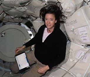 زندگی متفاوت انسان در فضا (عکس)