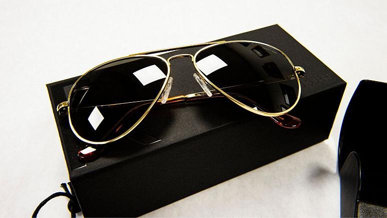 جو بایدن عینک خلبانی مورد علاقهاش را به ولادیمیر پوتین هدیه داد