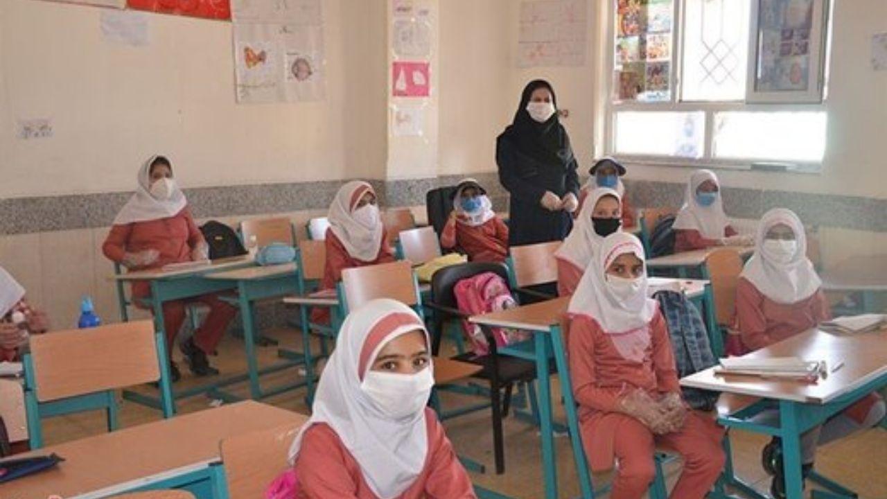 آموزش و پرورش: بازگشایی مدارس در مهر فقط در حد پیشنهاد است/ واکسن کرونا برای دانشآموزان نداریم